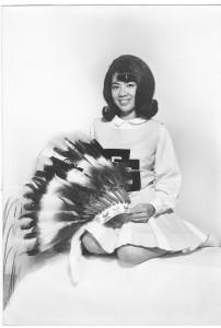 Doreen FSU Cheerldr, w headdress Feb 1968[2]