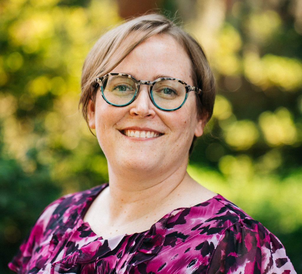 Laura Barrett Headshot