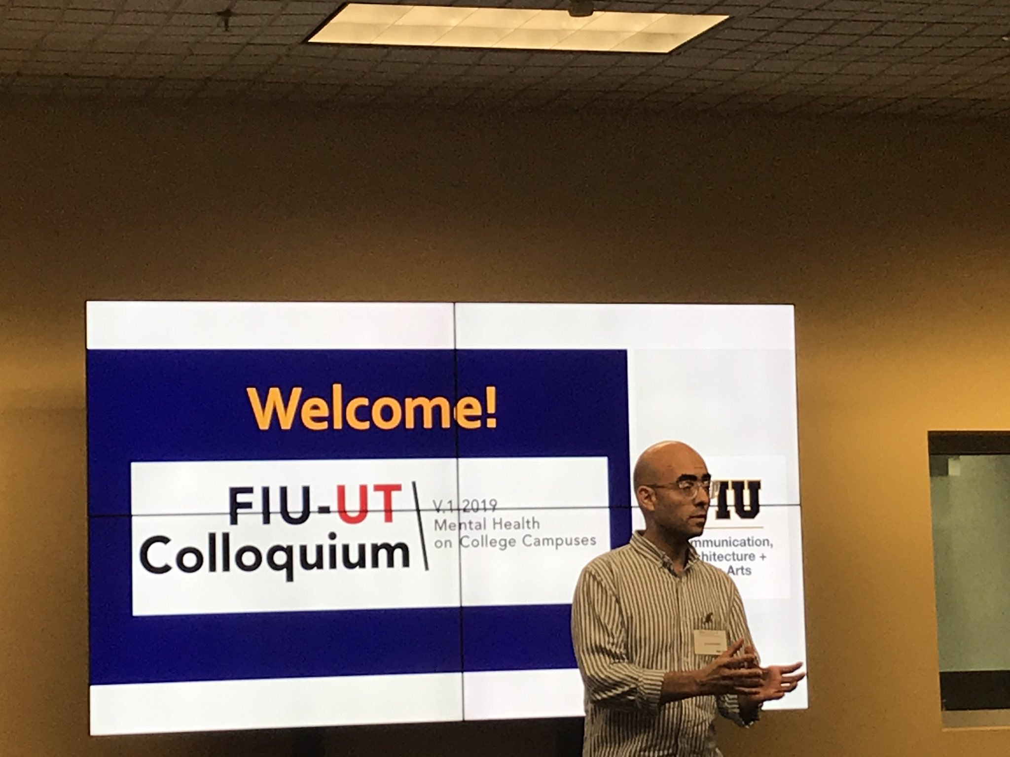 Juan S. Muhamad presenting at FIU mental health colloquium