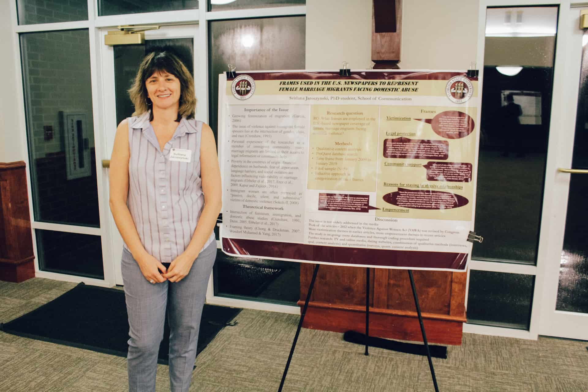 Svitlana Jaroszynski with her research poster